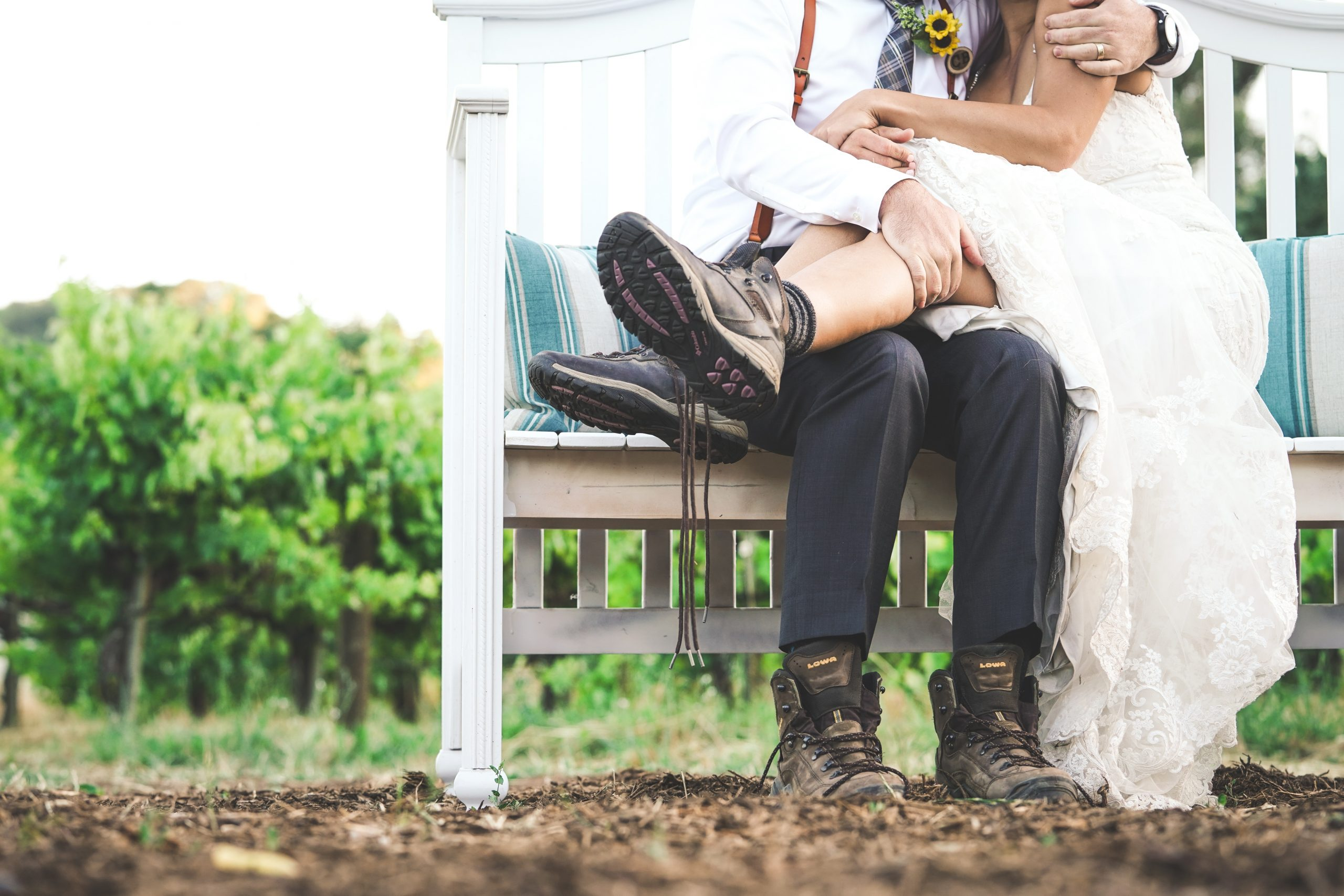 Where to start planning your outdoor wedding