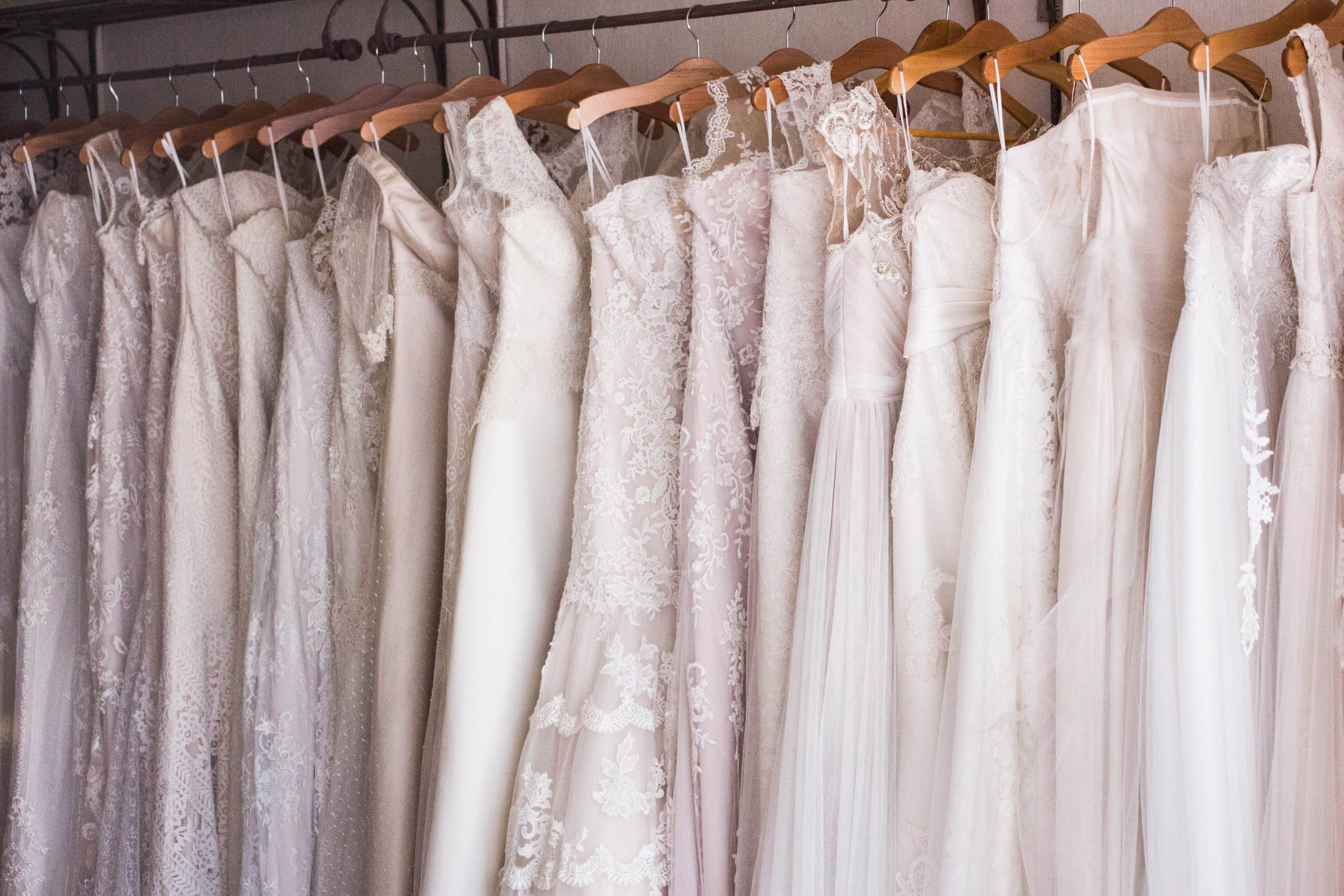 Wedding dresses for busty body type