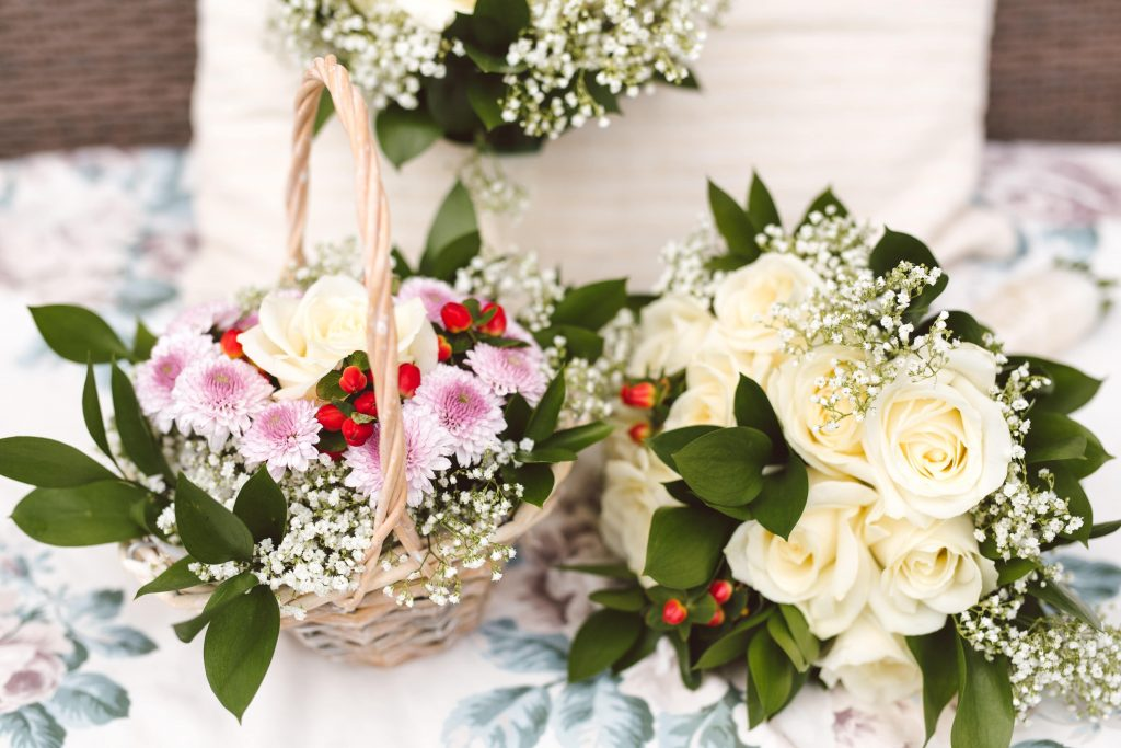 how to plan a small wedding ceremony