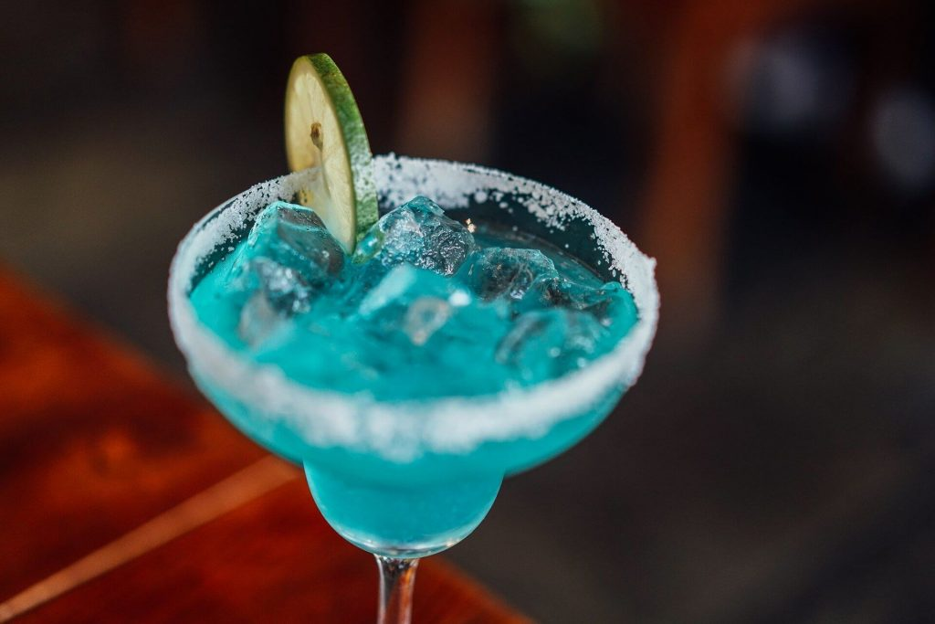 birthday-party-themes-for-adults-7-cocktail-masterclass